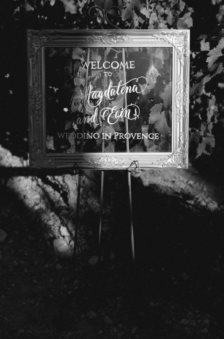 destination wedding in provence (decor 1) by Muriel Saldalamacchia wedding planner Photo by Remi Dupac