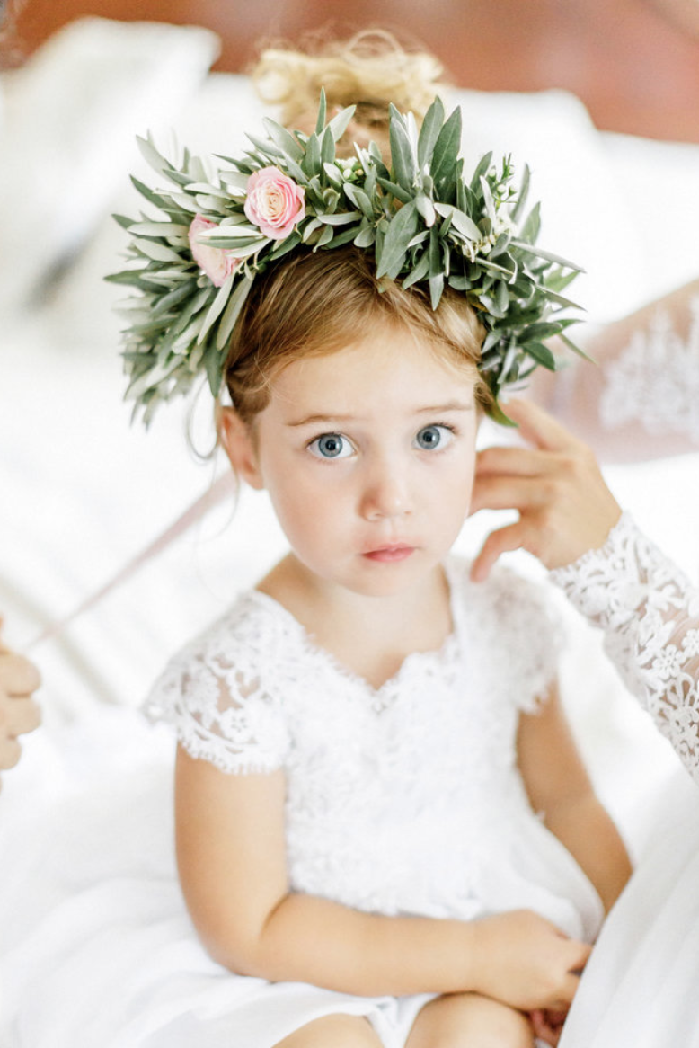 destination wedding in provence (flower girl with floral crown) by Muriel Saldalamacchia wedding planner Photo by Remi Dupac