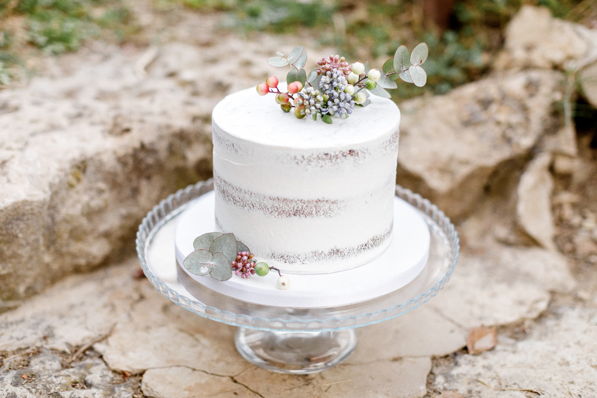 destination wedding in provence (wedding cake) by Muriel Saldalamacchia wedding planner Photo by Remi Dupac