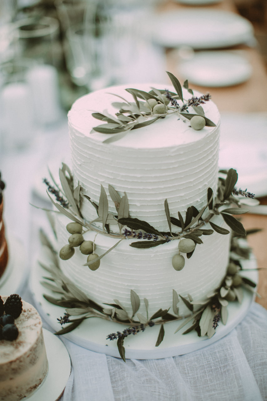 11 gorgeous wedding cakes to die for | and how to make yours special
