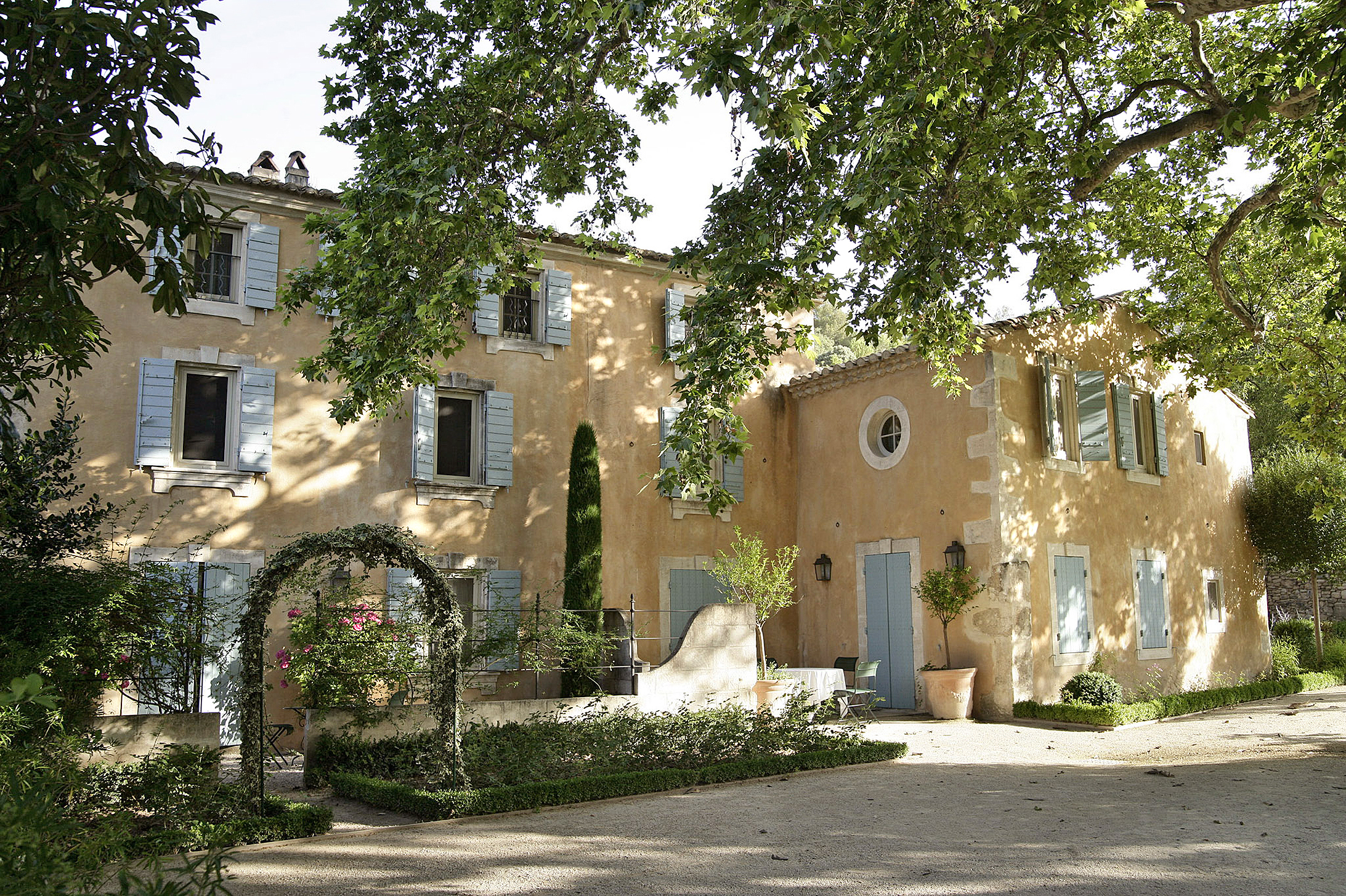 provence wedding in a manoir