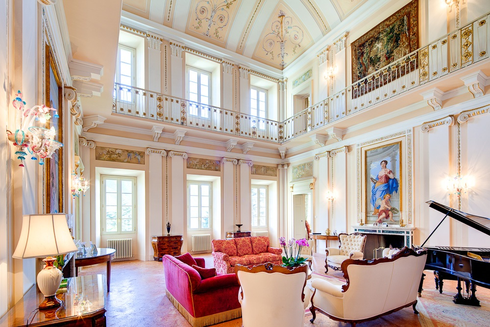 wedding location in Lake Como Music Room, 24