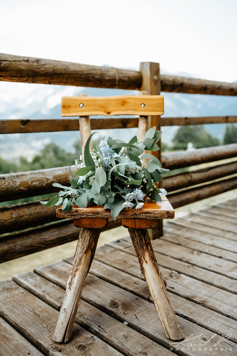 Mountain Wedding in French Alps by Muriel Saldalamacchia Planner and photo by Karol Robache