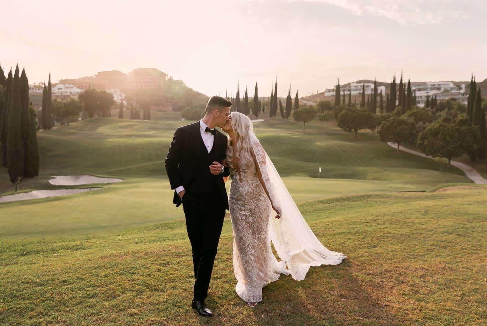 Glamorous-Wedding-of-Shauna-Darragh-Lenihan-by-Muriel-Saldalamacchia