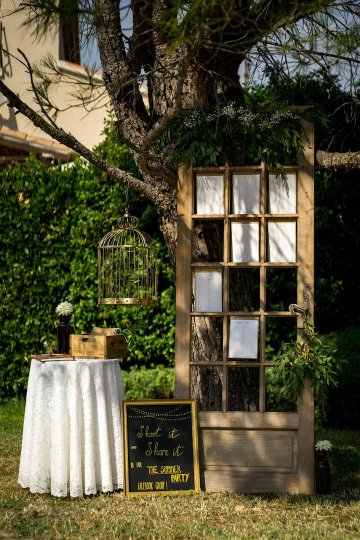 Elegant Rustic wedding in Provence (weelcome guests area) by Muriel Saldalamacchia Wedding planner, photo by Loic Legros