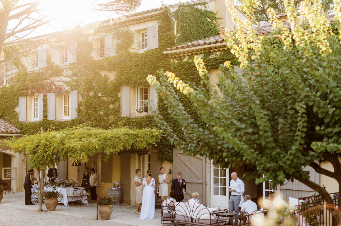 destination wedding in provence (wedding venue 4) by Muriel Saldalamacchia wedding planner Photo by Remi Dupac