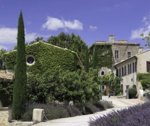 destination wedding in a castle in provence