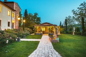 destination wedding planner in Tuscany luxury bucket list
