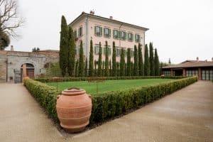 destination wedding planner in Tuscany luxury hospitality.jpg