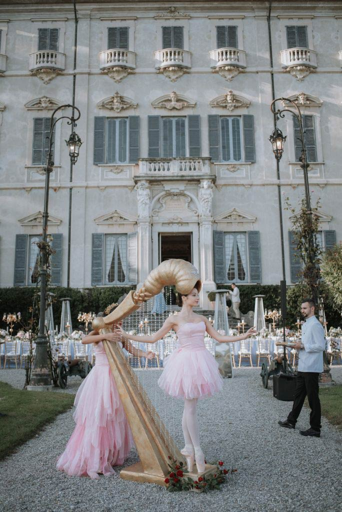 extravagant wedding in Lake Como